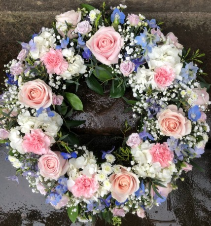 Mixed Loose Wreath